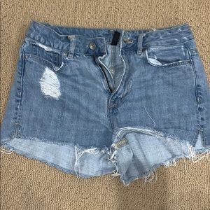 H&M  distressed light wash denim shorts*